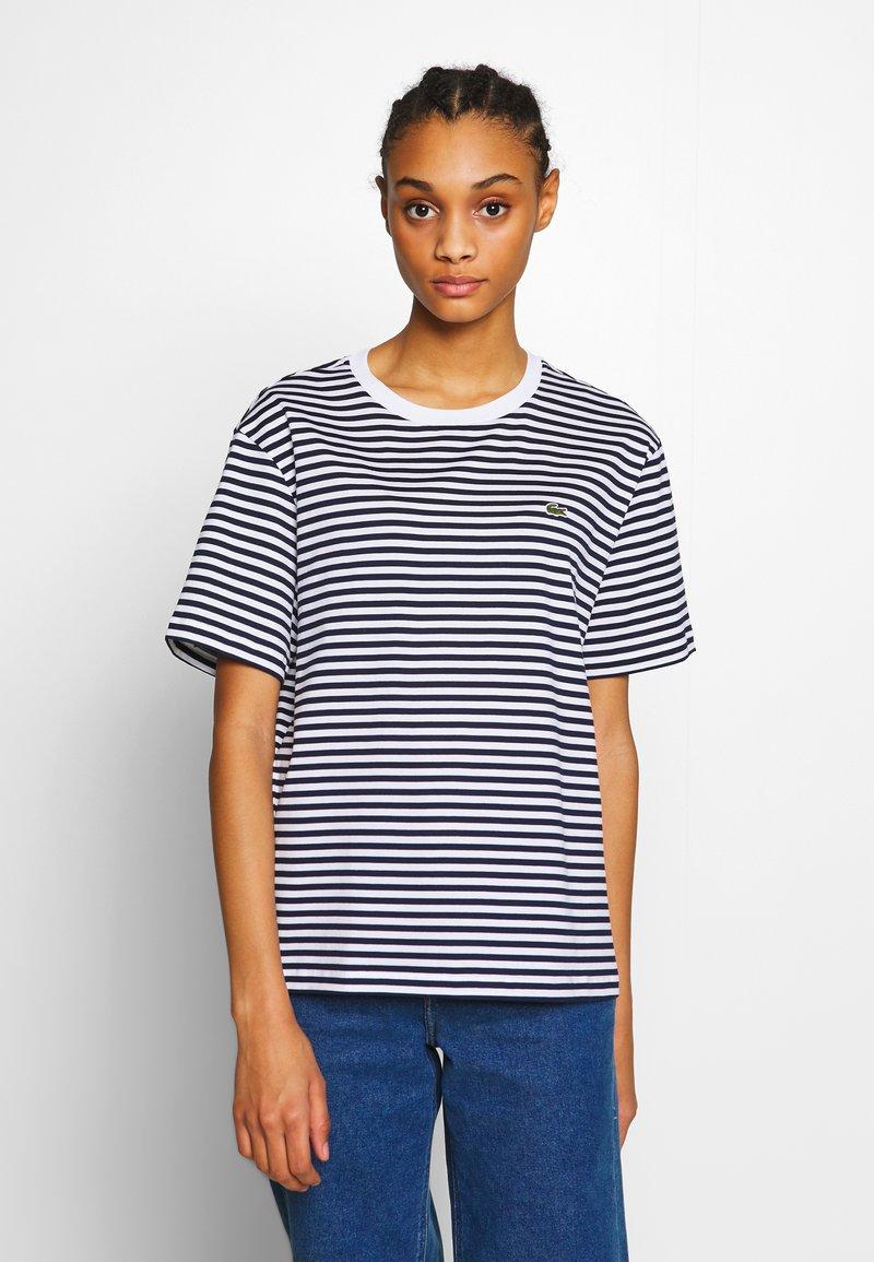Lacoste - T-shirt imprimé - navy blue/white