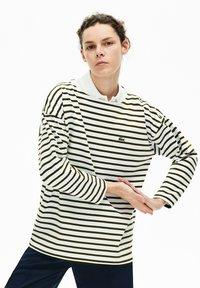 Lacoste - T-shirt à manches longues - blanc / bleu marine - 4