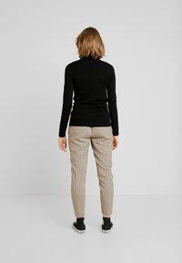 Lacoste - Stickad tröja - black - 2