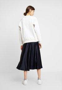 Lacoste - SF8692-00 - Sweater - flour - 2