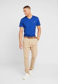 Lacoste - T-shirt basic - capitaine - 1