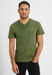 Lacoste - T-shirt basic - marsh - 0