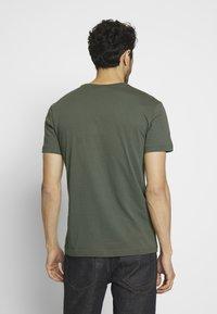 Lacoste - T-shirt basique - aucuba - 2