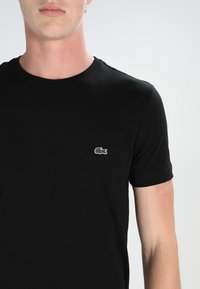Lacoste - T-shirt basic - black - 3