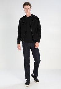 Lacoste - Jednoduché triko - black - 1
