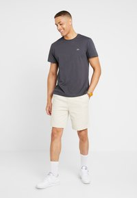 Lacoste - T-shirt basic - graphite - 1