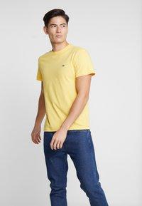 Lacoste - Basic T-shirt - daba - 3