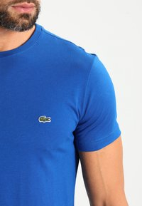 Lacoste - Basic T-shirt - blau - 3