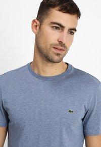 Lacoste - T-shirt basic - cruise blue - 4