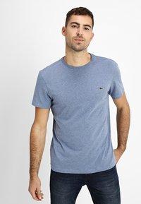 Lacoste - T-shirt basic - cruise blue - 0