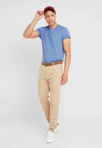 Lacoste - Basic T-shirt - rois - 1