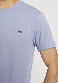 Lacoste - T-shirt basique - purpy - 4