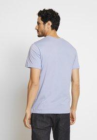 Lacoste - T-shirt basique - purpy - 2