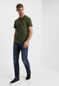 Lacoste - Basic T-shirt - marsh - 1