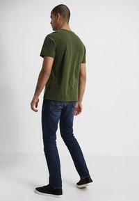 Lacoste - Basic T-shirt - marsh - 2
