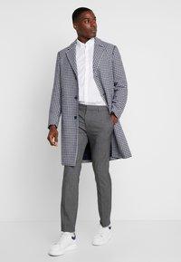 Lacoste - REGULAR FIT CH0431 - Skjorte - white - 1
