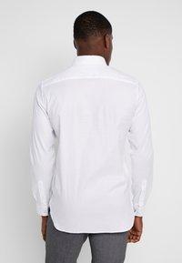 Lacoste - REGULAR FIT CH0431 - Skjorte - white - 2