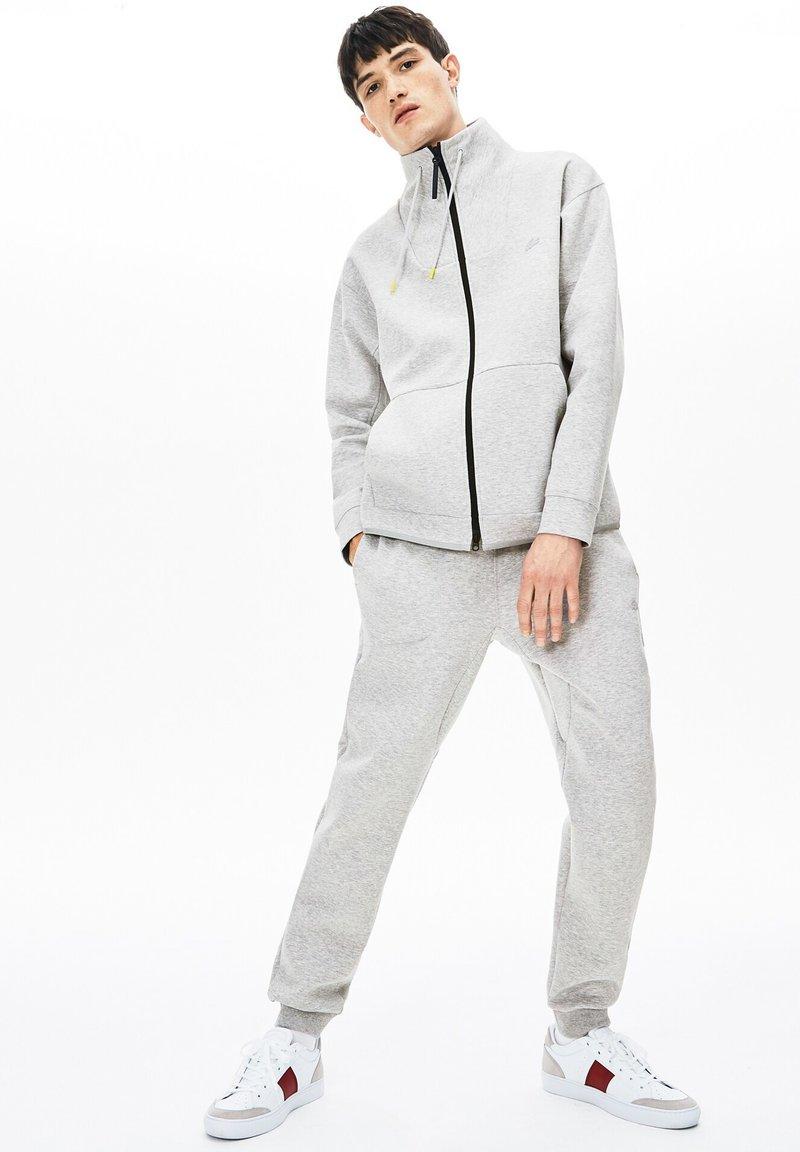 Lacoste - XH8631 - Pantalon de survêtement - gray