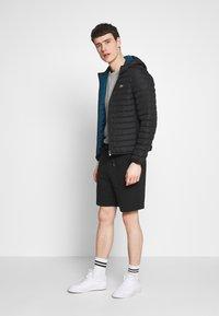 Lacoste - Shorts - noir - 1