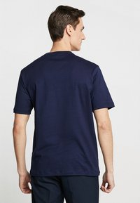 Lacoste - T-shirt med print - marine - 2