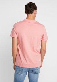 Lacoste - T-shirt imprimé - princesse - 2