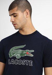 Lacoste - T-shirt print - navy blue - 4