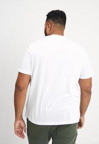 Lacoste - T-shirt basic - blanc - 2