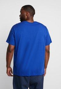 Lacoste - T-shirt basic - capitaine - 2