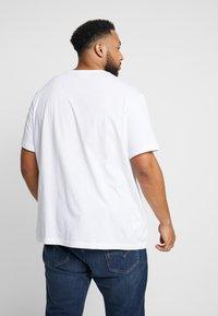Lacoste - Basic T-shirt - blanc - 2