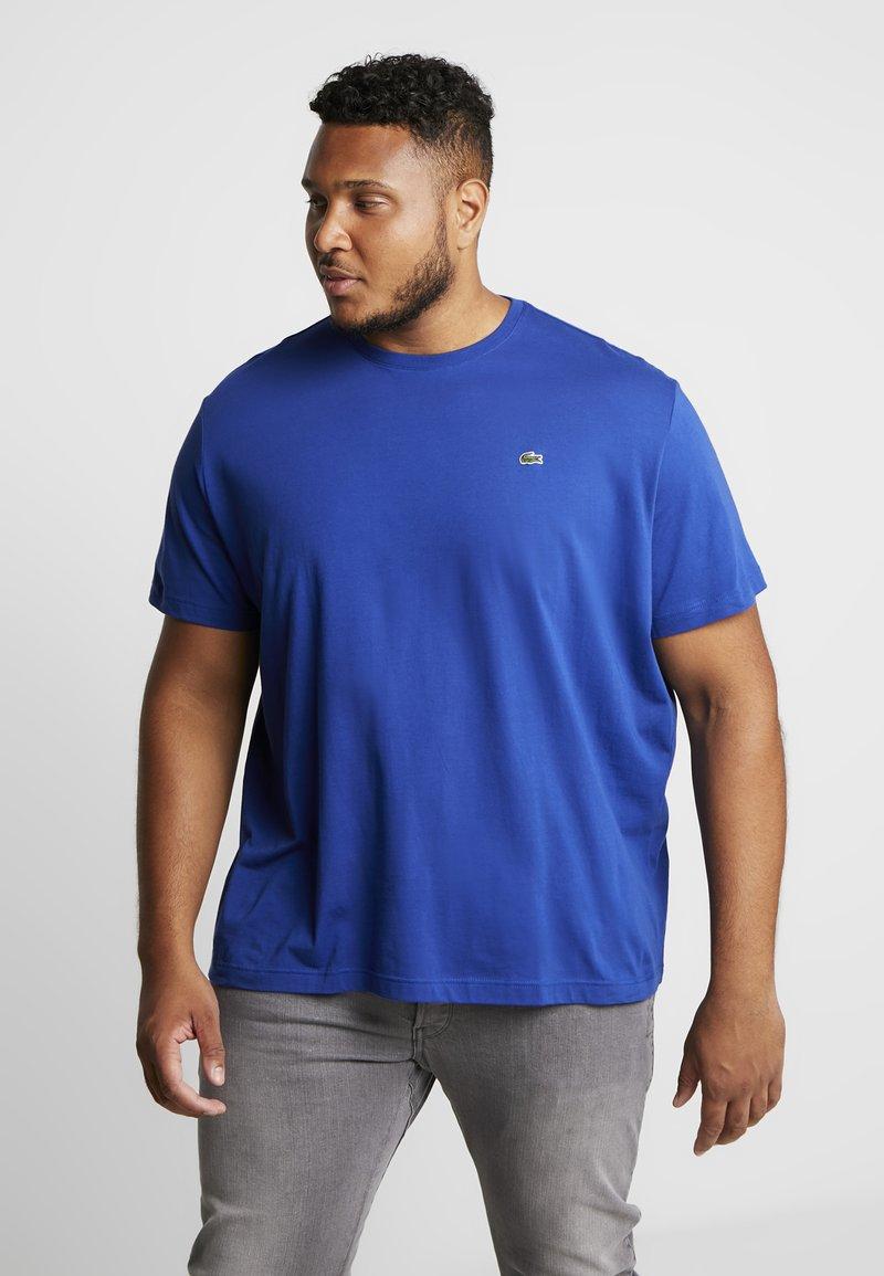 Lacoste - PLUS SIZE - Basic T-shirt - capitaine