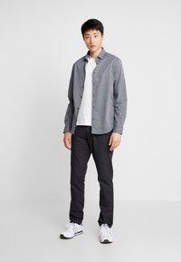 Lacoste - TH8560 - Camiseta básica - farine - 1