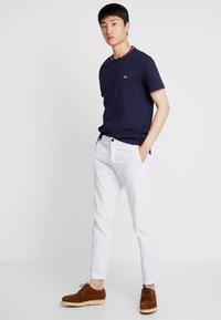 Lacoste - TH8560 - T-Shirt basic - marine - 1