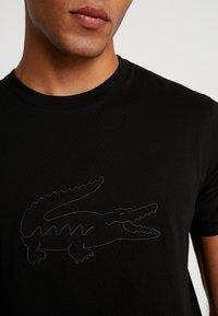 Lacoste - Print T-shirt - noir - 5