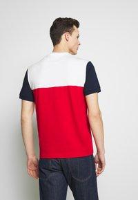 Lacoste - T-shirt imprimé - rouge/farine/marine - 2