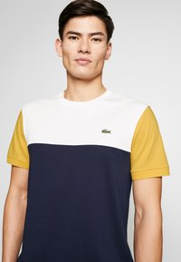 Lacoste - Print T-shirt - dark blue - 4