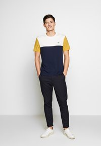 Lacoste - Print T-shirt - dark blue