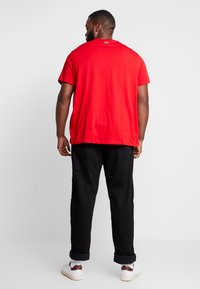 Lacoste - TH5097-00 - T-shirts print - rouge - 2