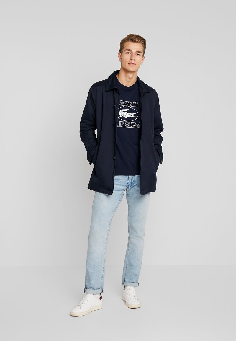 Lacoste TH5097-00 - T-shirts med print - marine