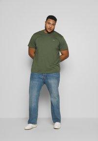 Lacoste - Basic T-shirt - aucuba - 1