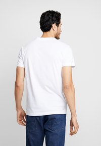 Lacoste - T-shirt imprimé - blanc/marine - 2