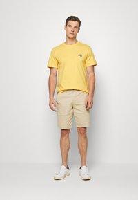 Lacoste - Basic T-shirt - daba - 1