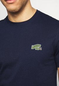 Lacoste - T-shirts - navy blue - 4
