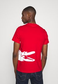 Lacoste - T-shirt imprimé - red - 2