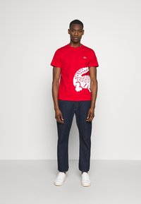 Lacoste - T-shirt imprimé - red - 1