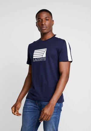 T-shirt med print - marine/blanc