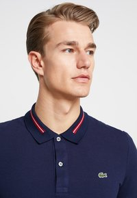 Lacoste - PLUS PH8522 - Polo - marine