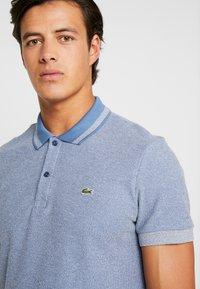 Lacoste - PH8863 - Poloshirt - bleu indigo clair/rois - 3