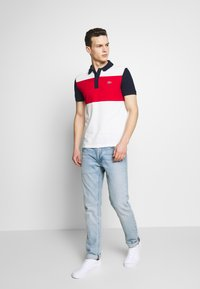 Lacoste - Polo shirt - farine/rouge/marine - 1
