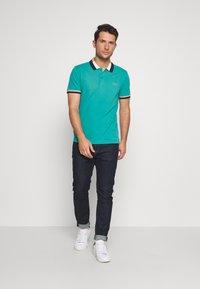 Lacoste - PH5095 - Poloshirts - niagara blue/navy blue/viennese/flour - 1