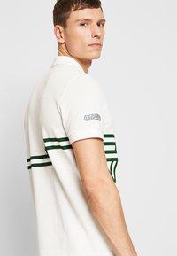 Lacoste - PH5094-00 - Polo shirt - flour - 3